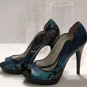 LuLu Townsend Snake Skin Heels Size 7
